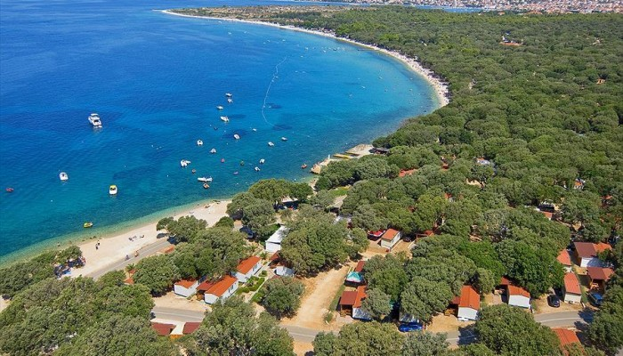 Kampeervakantie direct aan zee met heerlijk uitzicht op de kvarner baai campingdreams - Planter uitzicht op de baai ...