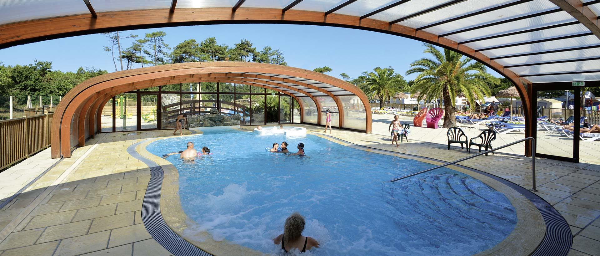 Piscine couverte aquitaine vacances camping soulac plage for Vacances piscine couverte