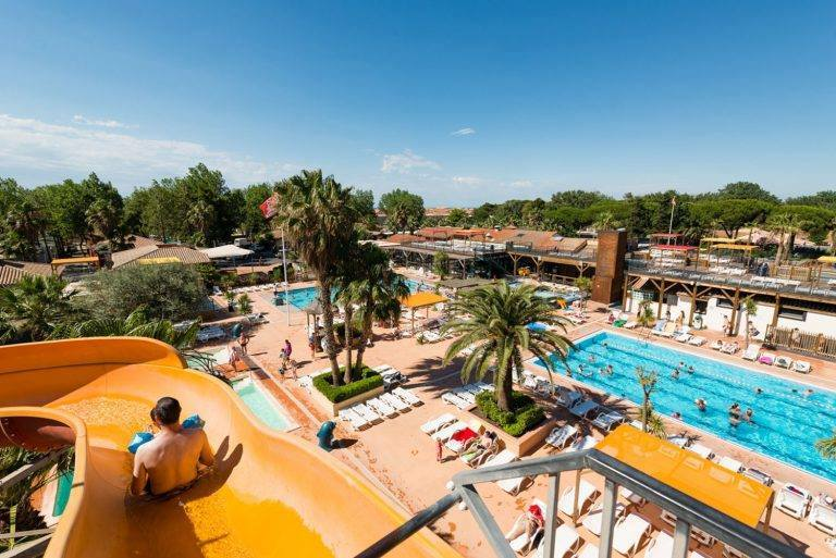 Camping les sablons le terrain de camping 5 toiles dans for Camping chambery avec piscine
